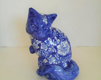 Vintage Hand Painted Porcelain Cat Asian/Chinioserie Blue and White Style
