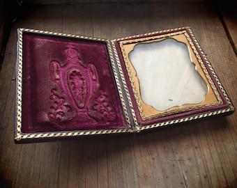Antique Dauguerreotype Case Empty with No Photo, Victorian Photo Case