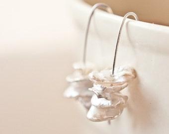 Modern Earrings Keishi Pearls Sterling Silver Ivory White Keshi Bridal Wedding bridesmaid jewelry minimal chic