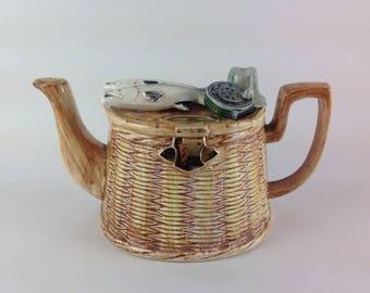 Richard Parrington Teapot ...