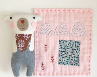 Bear and quilt set