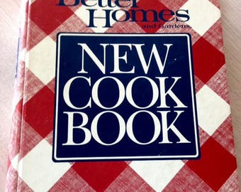 Better Homes and Gardens NEW COOK BOOK. Third printing from 1990.