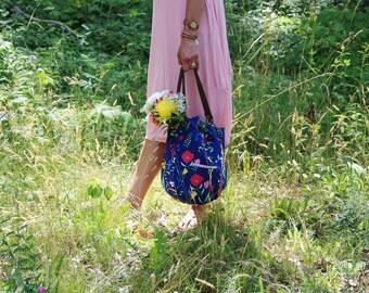Shoulder Bag Canvas Hobo Bag Floral Canvas Purse Carryall Bag Book Bag Tablet Bag Daytripper Bag Navy Purse Floral Carry All Bag