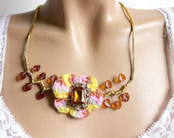 Topaz Flower necklace set with a rectangular synthetic rhinestone