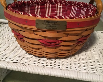 Longaberger  Popcorn Basket from the Christmas Collection-1999 Edition, Protector and  Liner