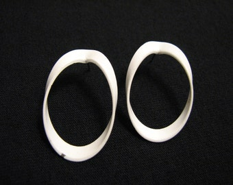 Vintage White Metal Twisted Circle Pierced Earrings