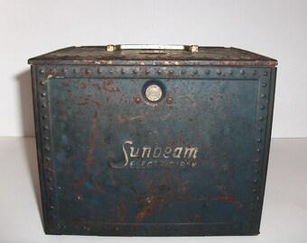 Sunbeam Metal Storage Box Reserved for Bonnie