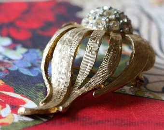 Vintage Costume Jewelry Brooch Pin in Gold with Rhinestones