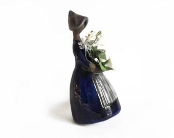 Elsi Bourelius flower lady, Jie Verk Stad Sweden, Flower Girl figurine, flower girl vase