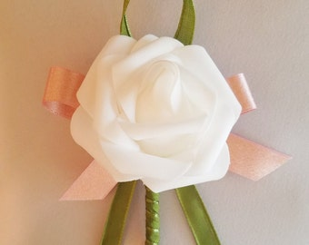 Boutonniere / Pins