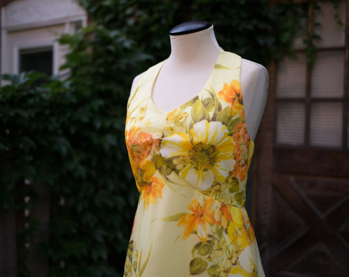 Vintage Floral Dress / Size 11 / Orange and Yellow Flower Mod Dress / Made in USA / Union Made