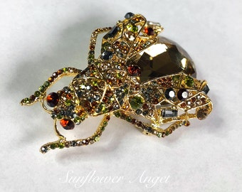 Dramatic extra large Queen bee, wasp brooch, with large amber crystal and gold and amber crystal wings