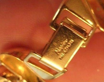 VINTAGE NAPIER signed domed Gold tone linked necklace