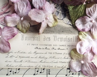 vintage mauve velvet posy. hydrangea posy. millinery flowers for hats and craft. vintage flowers. posy bouquet.
