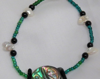 Abalone and Petal Pearl green bracelet