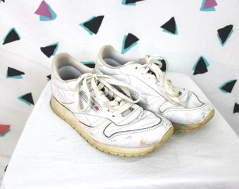 Vintage White Reebok Sneakers. Rare Retro 90s White Size 8.5 White Reebok Classic Shoes. Low Top Reebok Sneakers. 90s Hip Hop Sneakers