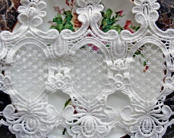 Reneabouquets Trim- 5 1/2 Inch Wide Garden Lattice Lace In White, Embroidered, Bridal, Costume Design, Lace Applique, Crafting