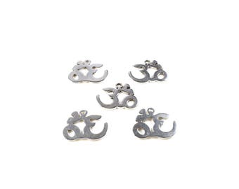 5 charm om / aum toned silver 17 x 21mm