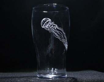 Jellyfish Engraved Pint Glass, etched jellyfish glass, jellyfish beer glass, jellyfish drinking glass, jellyfish pint glass
