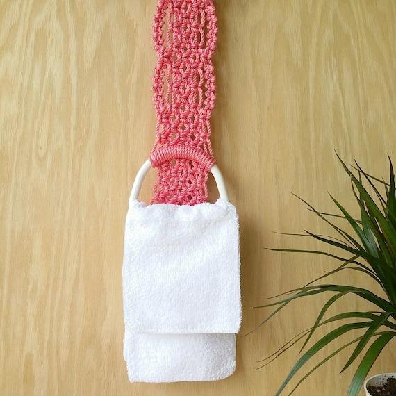 Ready to ship Bathroom wall decoration Pink towel rack Modern