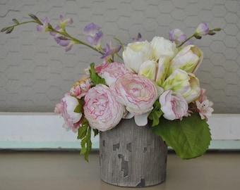 Mother's Day Floral Arrangement | Spring Floral Arrangement | Spring Centerpiece | Mother's Day Gift | Spring Wedding Centerpiece