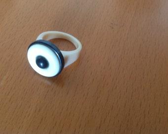 Vintage plastic lucite retro style ring