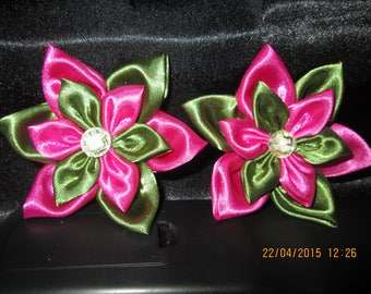 Flower in fuchsia satin and green size 9 cm