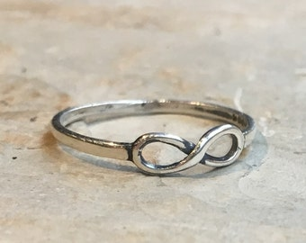 Infinity ring, Silver Infinity Ring, Sterling silver ring, Friendship ring, Bridesmaid ring, Thin stacking ring, bff Gift - Infinite R2469S