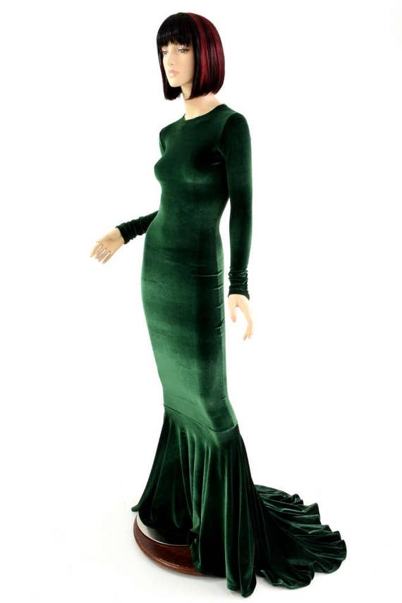 Bewitching Long Forest Green Velvet Gown with Crew Neckline