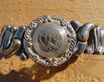 Vintage expandable 'Sweetheart' bracelet ,WWII Era Sweetheart Bracelet,Gold Filled Phoenix Speidel Made Expansion Bracelet ,engraved 1943