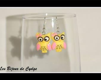 Resin yellow OWL-shaped earring