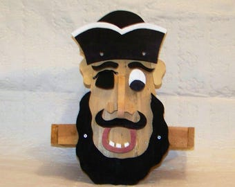Black Beard The Pirate Bird Feeder