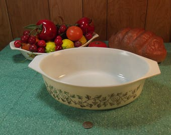 Vintage Pyrex #045 Gold Leaves/ Grapes Oval Casserole Dish - 2 1/2 Quart - Promotional