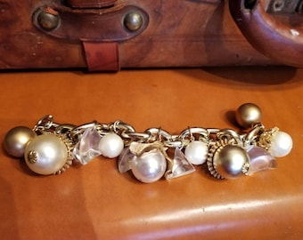 FREE  SHIPPING  1950  Lucite Charm Bracelet