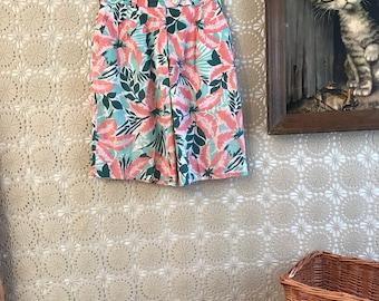 Vintage 80's 90's Classic Hawaiian Style Cotton Novelty Print Shorts