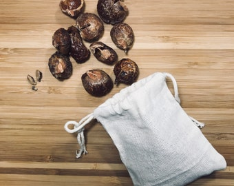 Organic cotton bag filled with wash nuts (Natural laundy detergent)