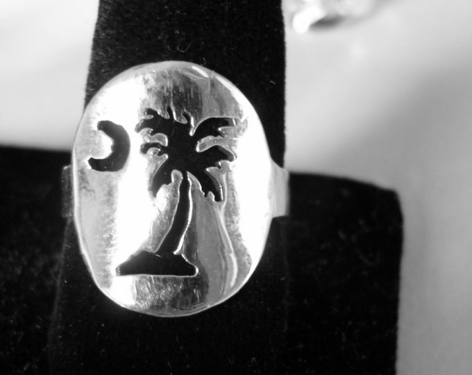 Palm Tree Ring dime size