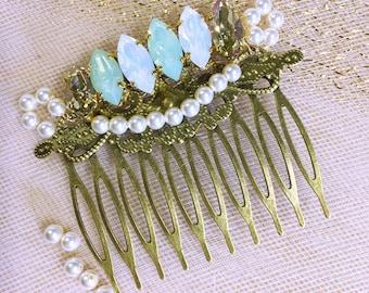 Swarovski crystal wedding hair comb / wedding hair comb