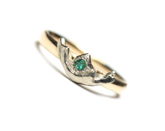 Green Emerald Wedding Band 14K Yellow and White Gold Crown Romantic Feminine Delicate Bridal Tiara Wedding Ring For Her - Natural Princess