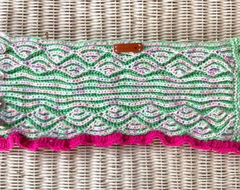 Knitting pattern for Gum Drop Brioche Button Cowl