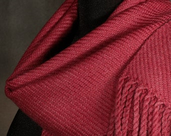 Red scarf / handwoven scarf / merino wool scarf / winter scarf