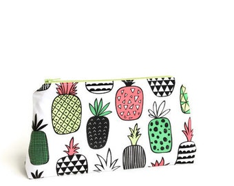 Gift for Mom Bridesmaid gifts Best friend gift Gift for her Pineapple Make up bag Makeup bag Pencil Case Gifts for women Girlfriend gift