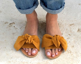 bow sandals in mustard leather