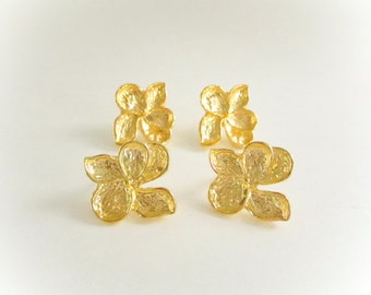 Gold Plated Flower Earring Post W/ Stoppers, 24x22mm, Gold Flower Post Connectors, Pendant Earrings, Flower Stud Earrings, Flower Connector