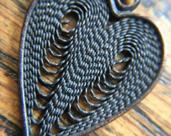 filigree style Y necklace