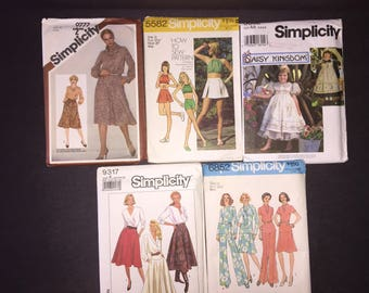 Vintage simplicity patterns, lot of 5, various sizes, skirts, blouses, skirts, shorts, dresses, 1980s, 1970s