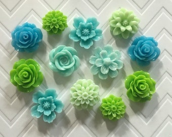 Flower Thumbtacks or Magnets Set of 12 - (#192) dorm decor, hostess gift, weddings, bridal shower, baby shower, gift, teacher gift