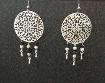 Earrings silver and black beads