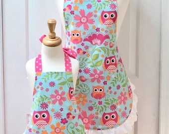 Owls on Turquoise with Pink Polka Dots and Snow White Eyelet Mommy and Me Apron Set  - reversible