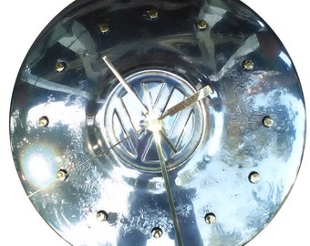 Wall clock hubcap: VW Hubcap Clock, 1960s and 70s, with dots for numbering (Grade B/C)
